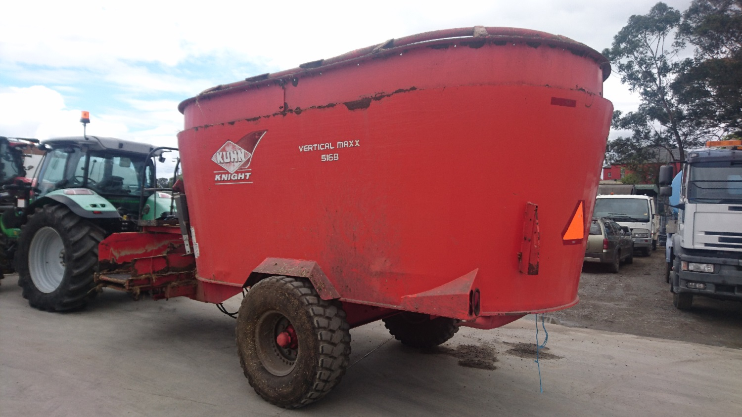 Kuhn Knight Mixer Wagon